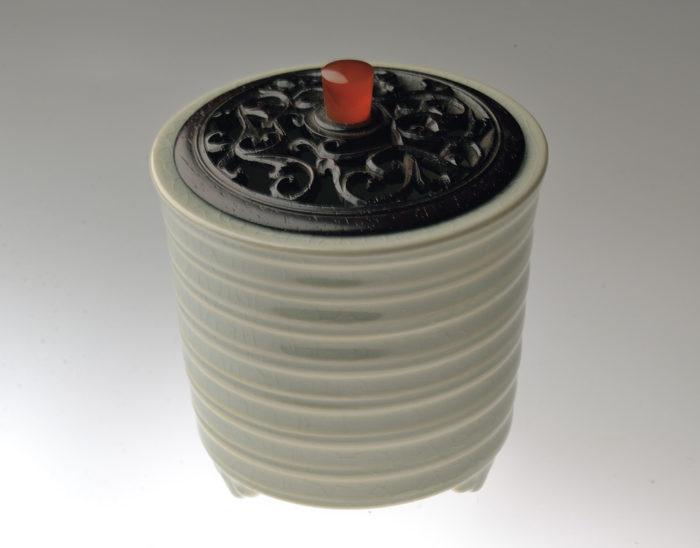 板谷 波山「氷菓磁香爐」